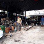 Autowerkstatt in Kambodscha