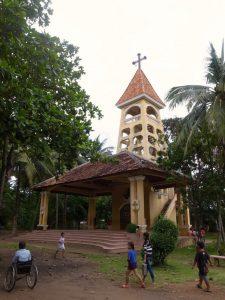 バッタンバンのカトリック教会の鐘撞き堂