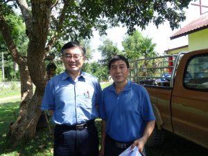 タイ国用ミェン語共通文字普及に重荷を持つツァンメン兄